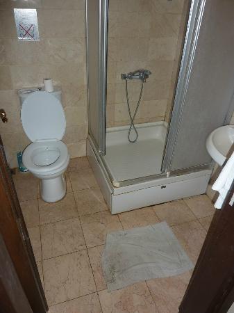 Hotel Grand Ozcelik: Salle de douches