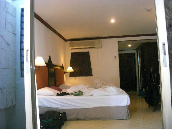 Patong Bay Garden Resort: our room (city view)