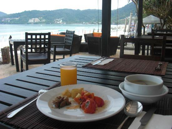 Patong Bay Garden Resort: breakfast place