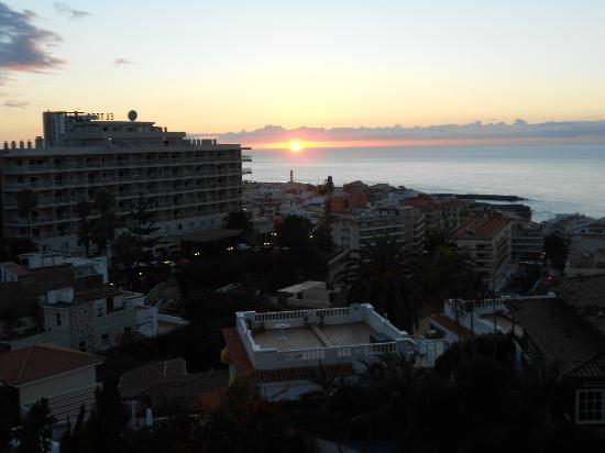 Hotel Puerto de la Cruz: vista al mar desde la habitacion