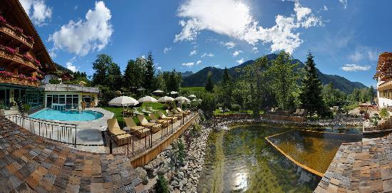Hotel Quelle Nature Spa Resort: Giardino vital + Lago