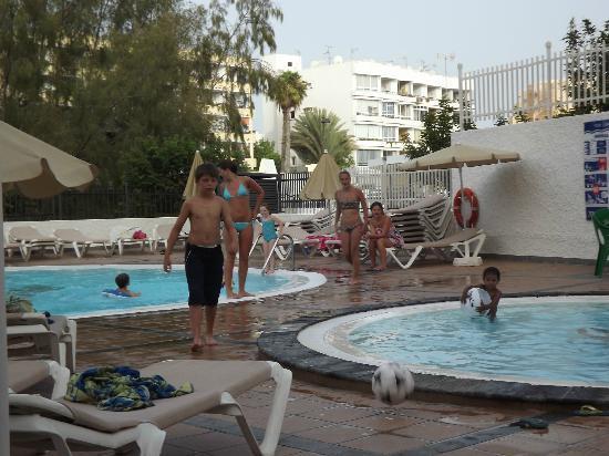Apartamentos Dorotea: picine