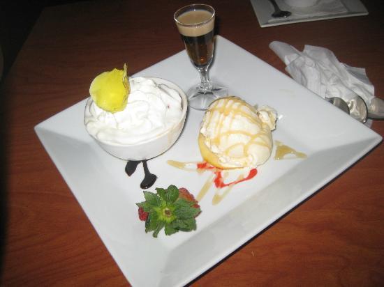 Fufu Afropuertorican International Cuisine: Apple bread pudding and vanilla ice cream with baileys/honey