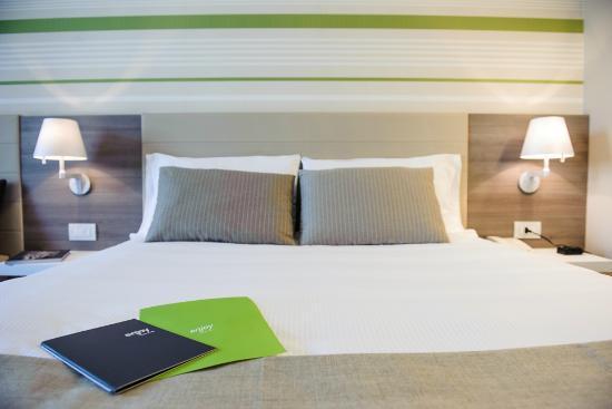 Enjoy Garda Hotel: bed
