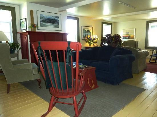 Fishers' Loft Inn by Ship Cove: Living Room