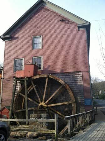 Inn at Gristmill Square: gristmill