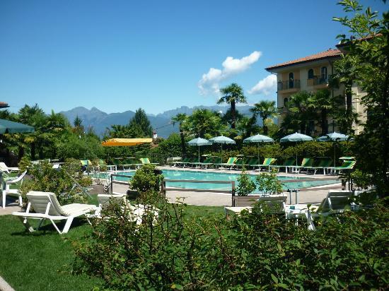 Hotel Della Torre : La piscina