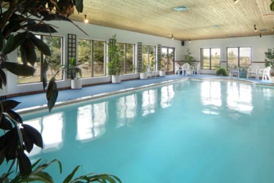Village Farm: Luxury pool