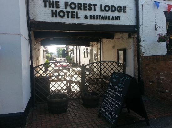 The Forest Lodge Hotel: outside courtyard