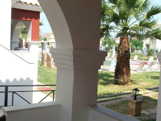 Hotel Yakinthos: balcony view