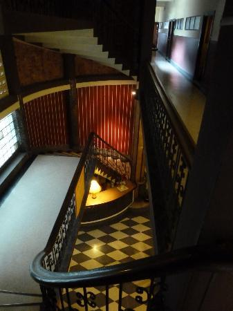 Atlanta Hotel: You spend a lot of time on these stairs ....
