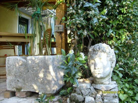 La Valle dell'Oca: particolare del giardino