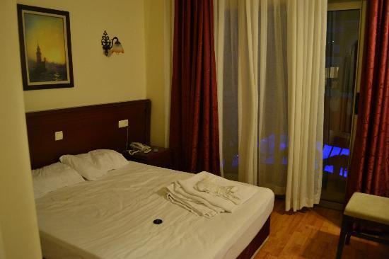 Astoria Hotel : Наша комната