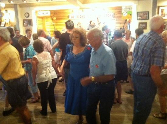 Floyd Country Store: round dance.