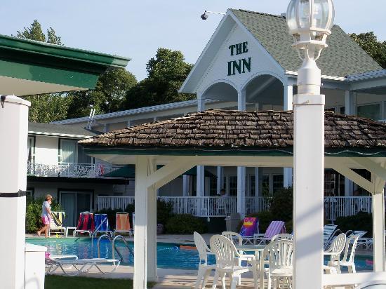 Inn at Okoboji: View of the pool area.