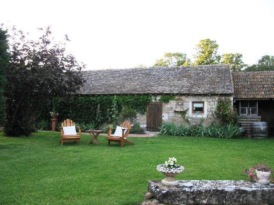 Le Petit Clos: Sitzmöglichkeit im Garten