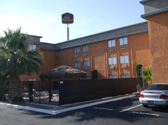 BEST WESTERN McCarran Inn: Hotel View