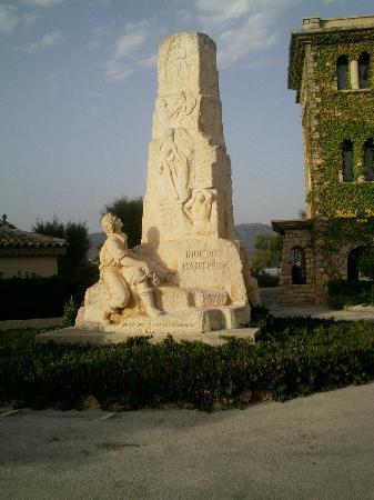 Hotel Le Delos: Statut devant l'hotel