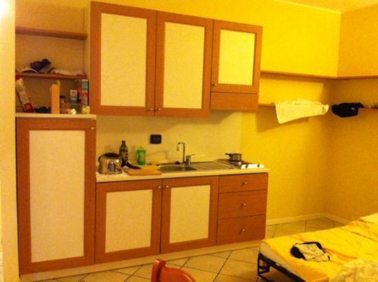 Le Terrazze sul Lago Residence & Hotel: Kitchen