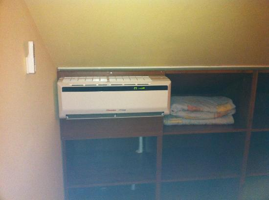 Villa Rosa: Air conditioner in second bedroom