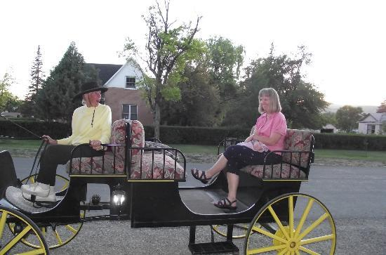 Yardley Inn and Spa: Carraige ride