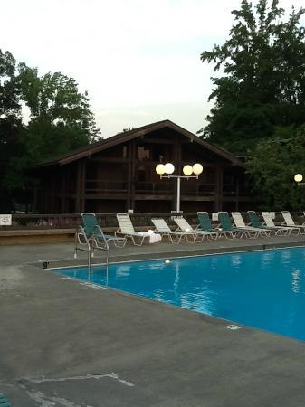 Lake Barkley Lodge: Pool area