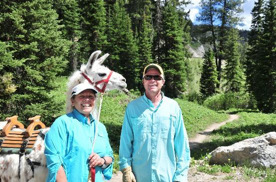 Wildland Llamas: Our guides Jill and Dave