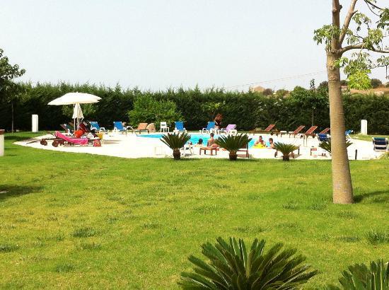 Torre Dantona Country Hotel : la splendida piscina….davvero bella...
