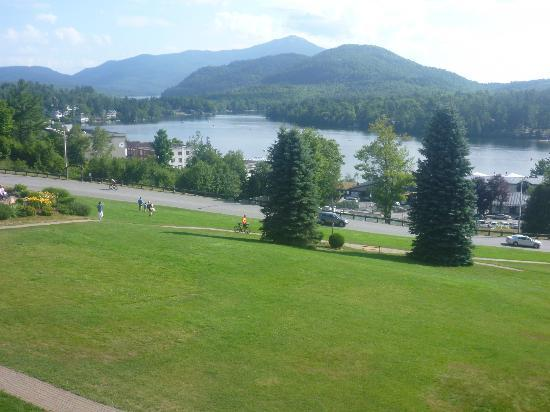 Crowne Plaza Lake Placid: The lake view from our room on the 4th floor