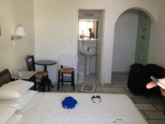 Lianos Village Hotel: chambre