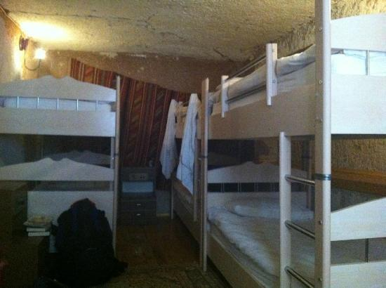 Nomad Cave Hotel: Dorm room