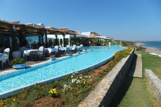Atrium Prestige Thalasso Spa Resort and Villas : The Asian and Greek restaurants overlooking the sea