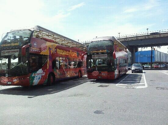 Genova, Italia: Bus citysightseeing