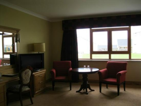 Diamond Coast Hotel: Spacious room - no coast view!