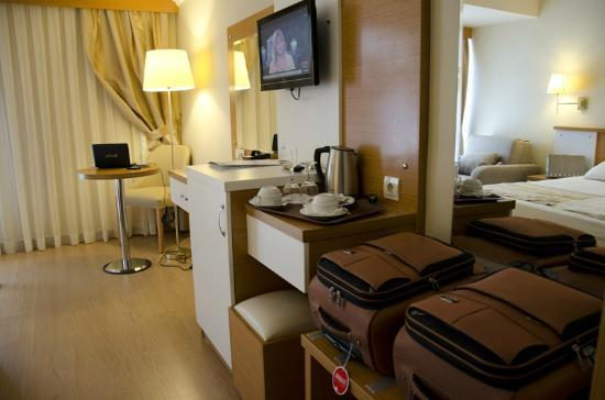 Aes Club Hotel: Our room