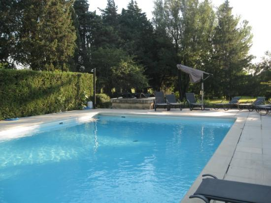Le Mas Julien : Vive la piscine par temps chaud!