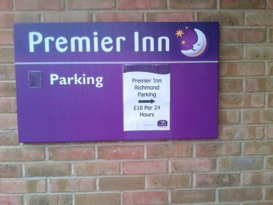 Premier Inn London Richmond Hotel: Expensive parking