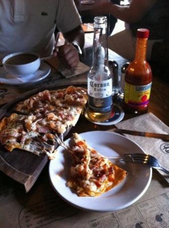 San Telmo : pizza puerto Madero deliciosa!