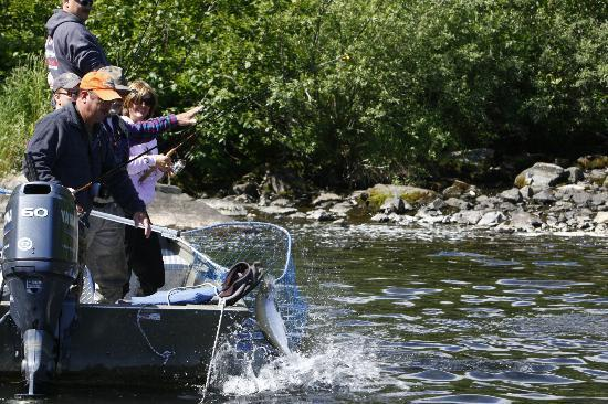 Talon Air Service: Fishing at Wolverine Creek