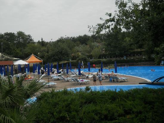 Garden Village San Marino: vista della piscina