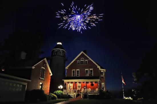 Braddock Point Lighthouse B&B Bed & Breakfast: July 4th Fireworks
