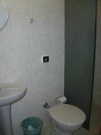 Pousada Da Charuta: banheiro do quarto