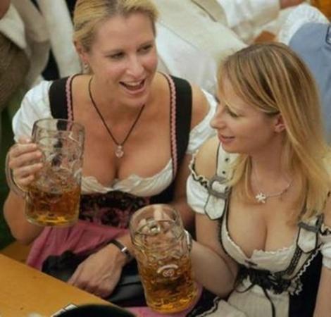 Bavarian Restaurant & Biergarten: great fun place