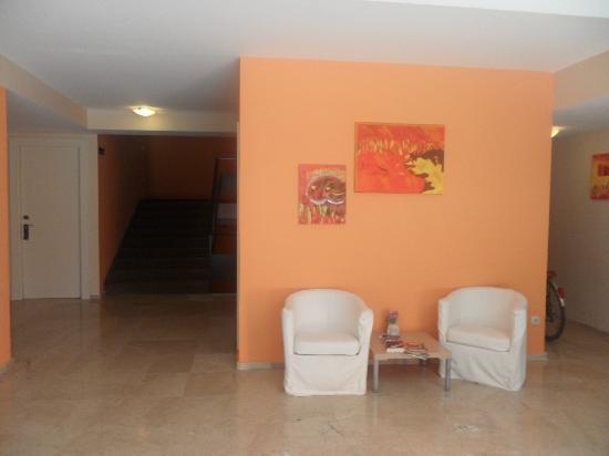 Hotel Punta: Hall de l'annexe de l'hôtel punta