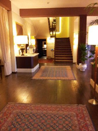 Hotel 2 Mari: Entrata Hotel