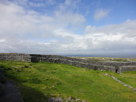 Inishmore, Ireland: The fort