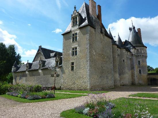 Chateau de Fougeres-sur-Bievre: Le château