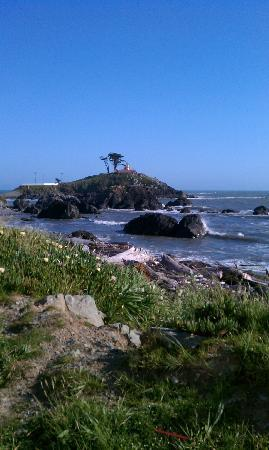 Oceanfront Lodge: Crescent City Lighthouse