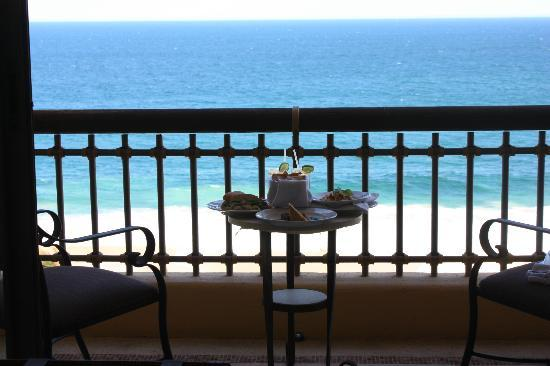 Marquis Los Cabos: Room Service on our balcony seat