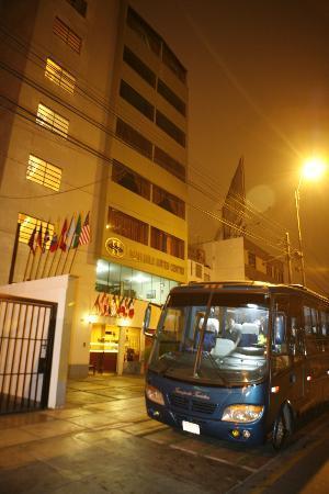 Miraflores Suites Centro: Fachada de Hotel